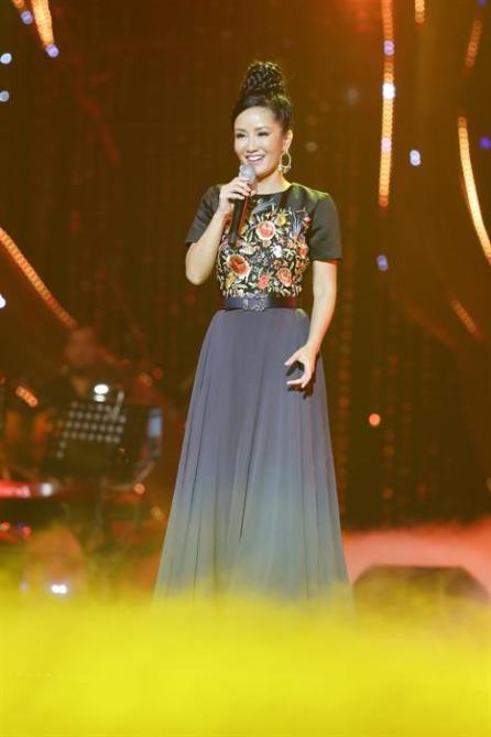 the-master-of-the-symphony-2017-khien-khan-gia-da-tai-voi-man-ket-hop-cua-6-giong-ca-khung-tap-chi-sao-viet-20171111122344